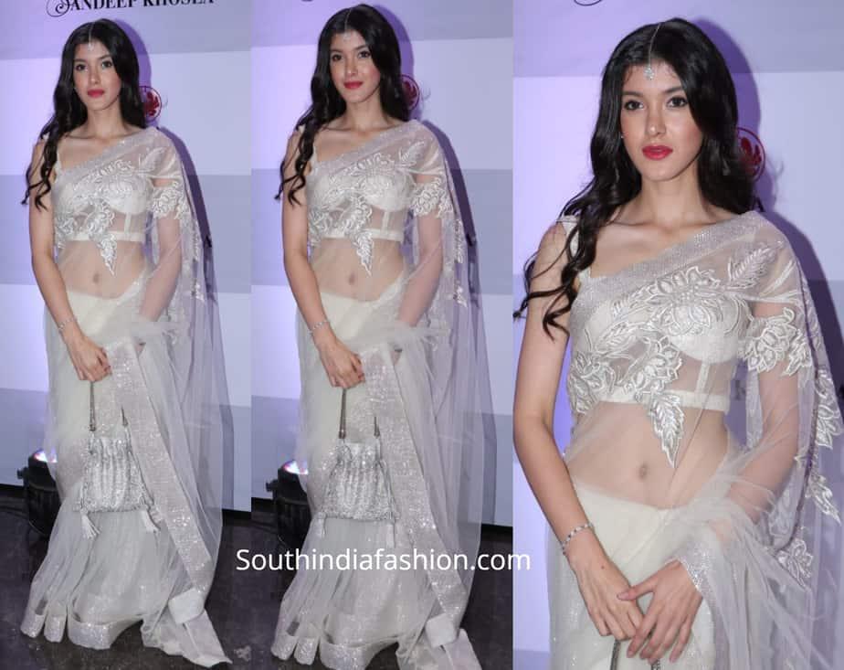 shanaya kapoor in white saree by abu jani sandeep khosla