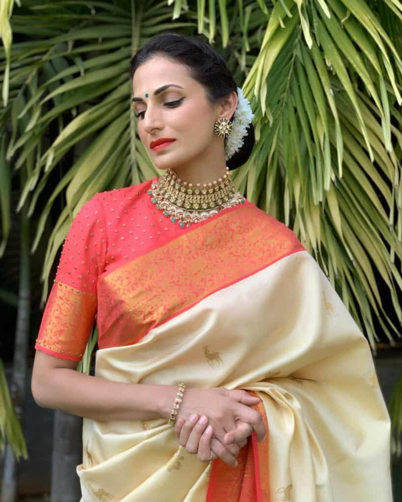 pattu saree blouse designs 2019 , silk saree blouse neck designs
