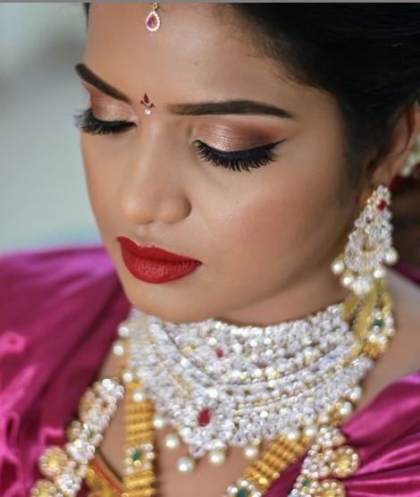 Afsha rangila bridal makeup