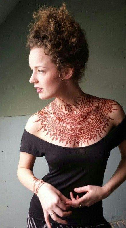 front neck mehndi designs (4)