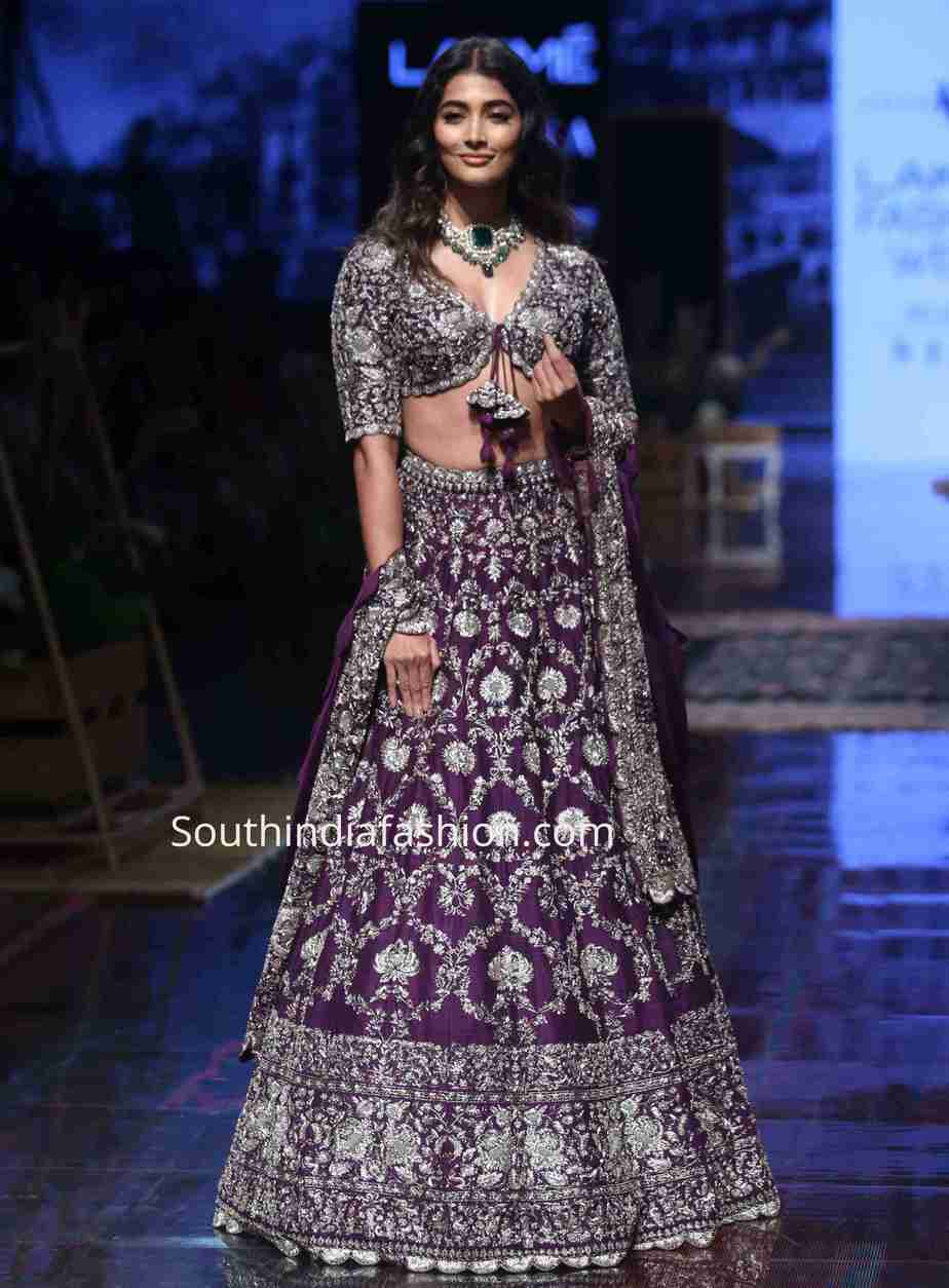 pooja hegde purple jayanti reddy lehenga lakme fashion week (1)