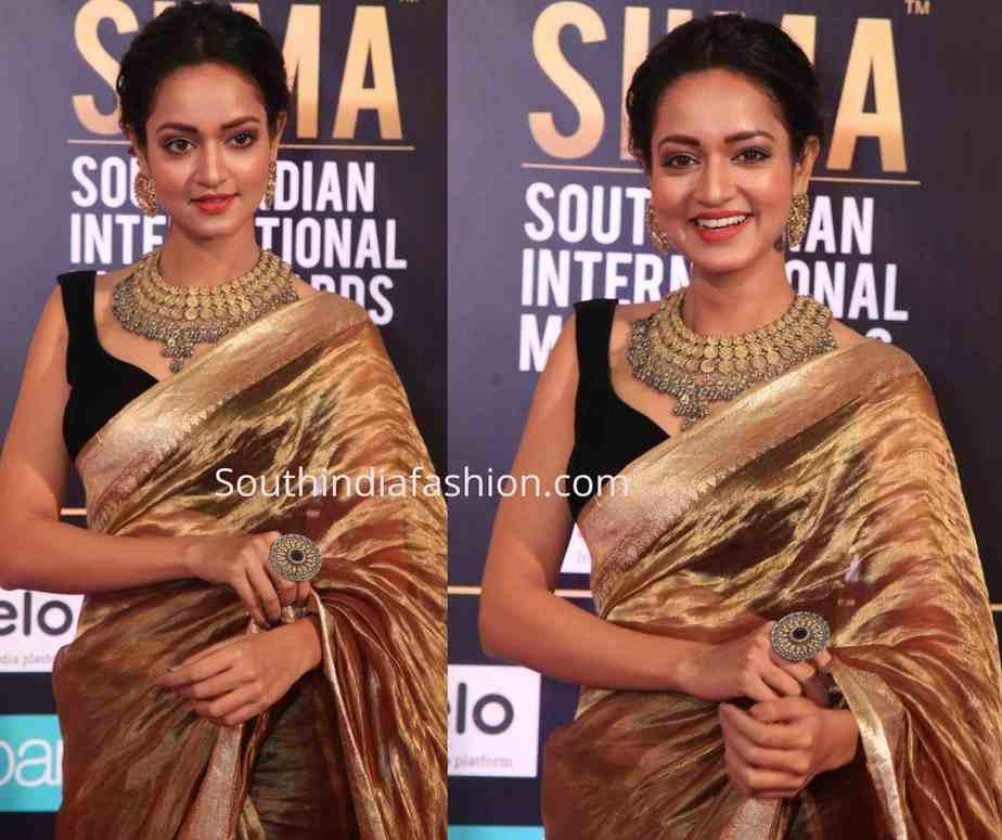 shanvi srivastav gold tissue saree siima awards 2019
