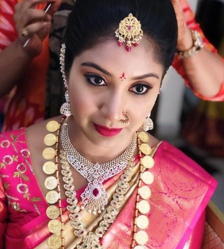 Suma makeup artist