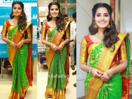 anupama parameswaran green kanjeevaram saree at anutex shopping mall launch