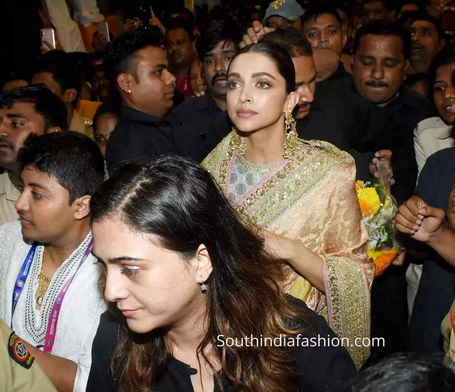 deepika padukone silk saree at lalbaugcha raja (3)