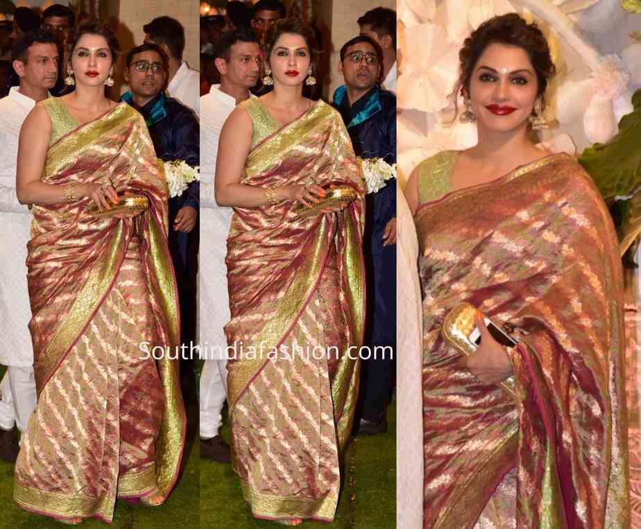 isha koppikar silk saree at ambani ganesh celebrations
