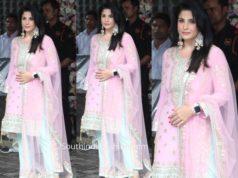 maheep kapoor pink salwar kameez arpita khan ganesh puja