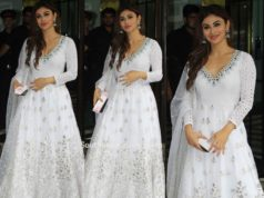 mouni roy white anarkali at arpita khan ganesh chaturthi puja