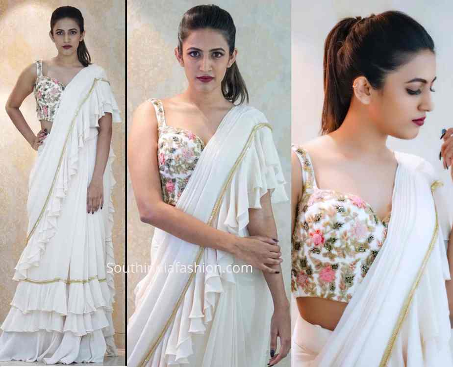 niharika konidela white ruffle saree at venditera awards