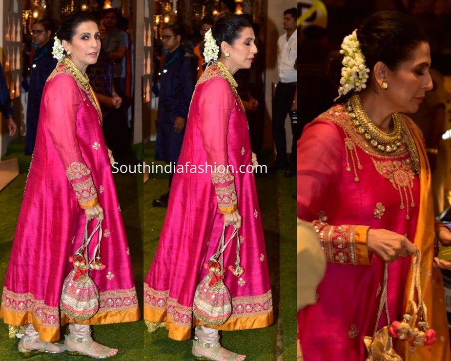 sonam mother sunita kapoor pink anarkali suit at ambani ganesh chaturthi