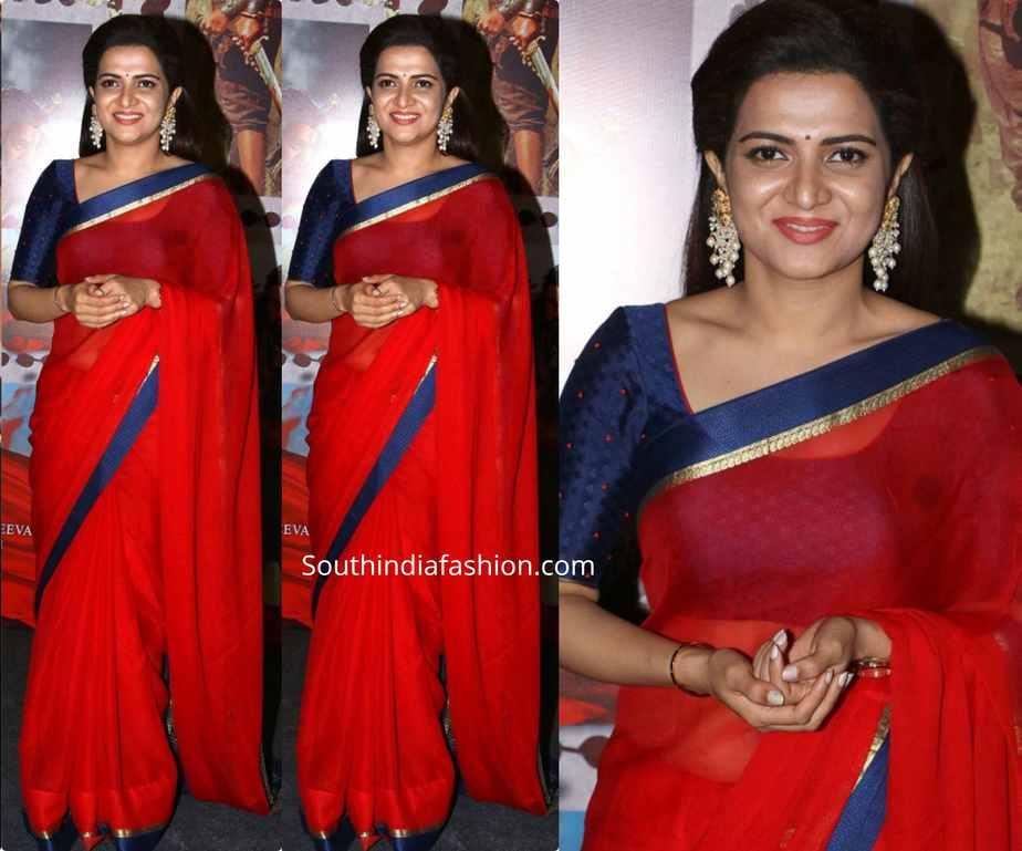 anchor divyadarshini red saree at sye raa press meet
