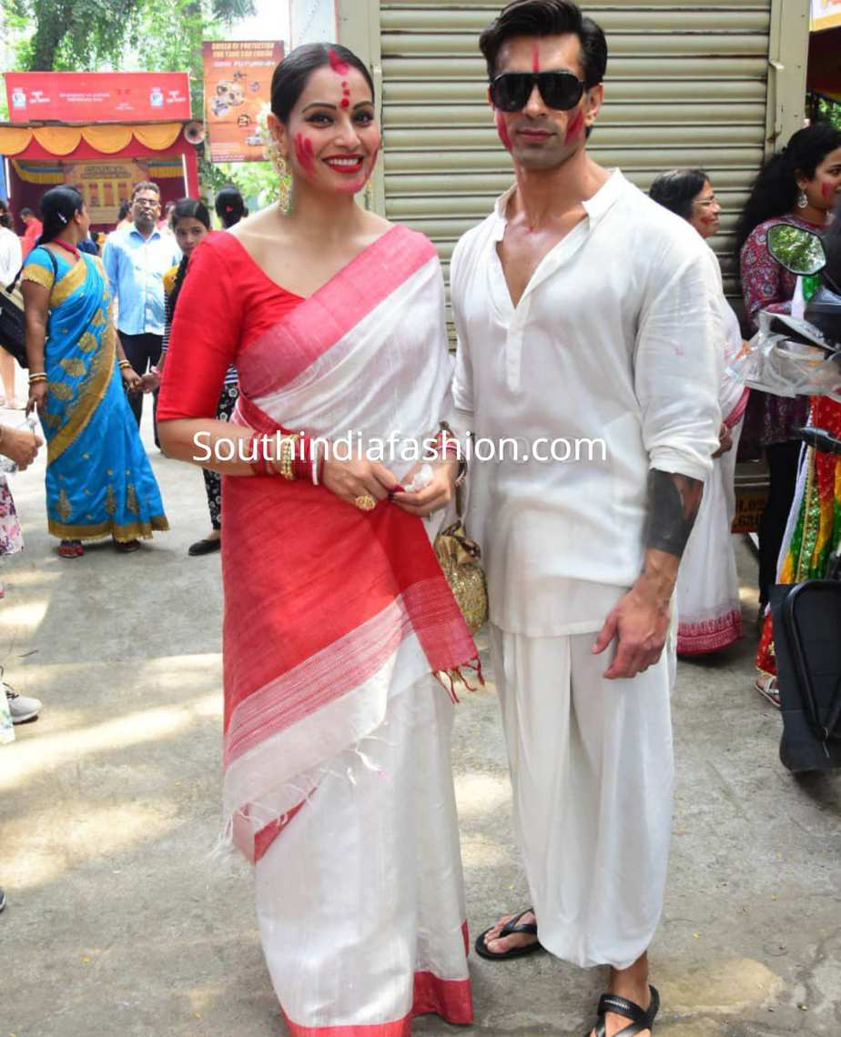 bipasha basu red white saree durga puja celebrations sindoor khela (4)