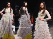 rakul preet singh ruffle gown by divya reddy at lotus india fashion week (1)