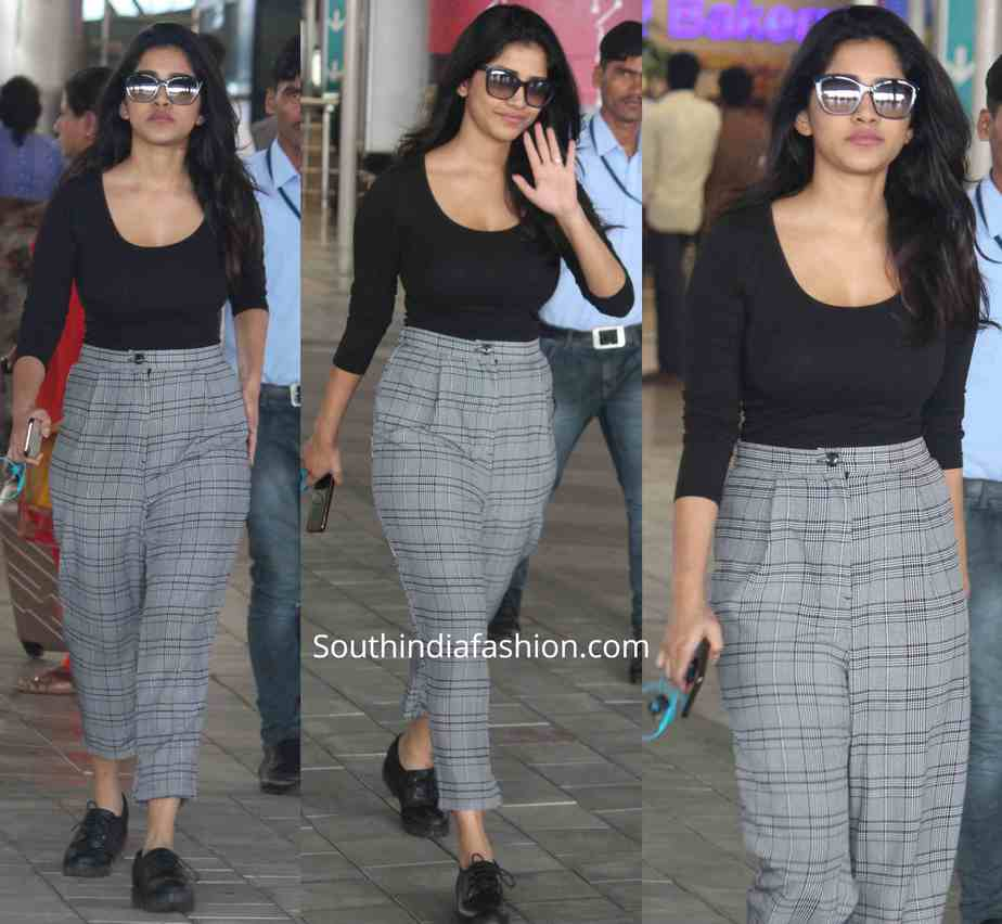 nabha natesh airport look (1)
