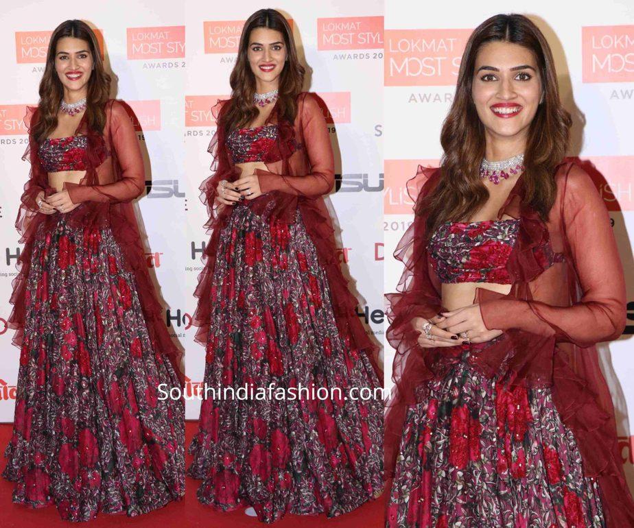 kriti sanon in maroon lehenga at lokmat most stylish awards (2)