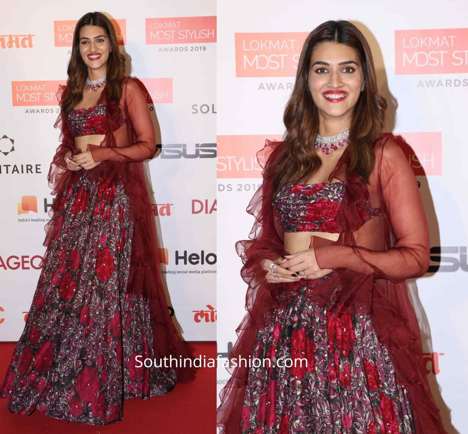 kriti sanon in maroon lehenga at lokmat most stylish awards (2)