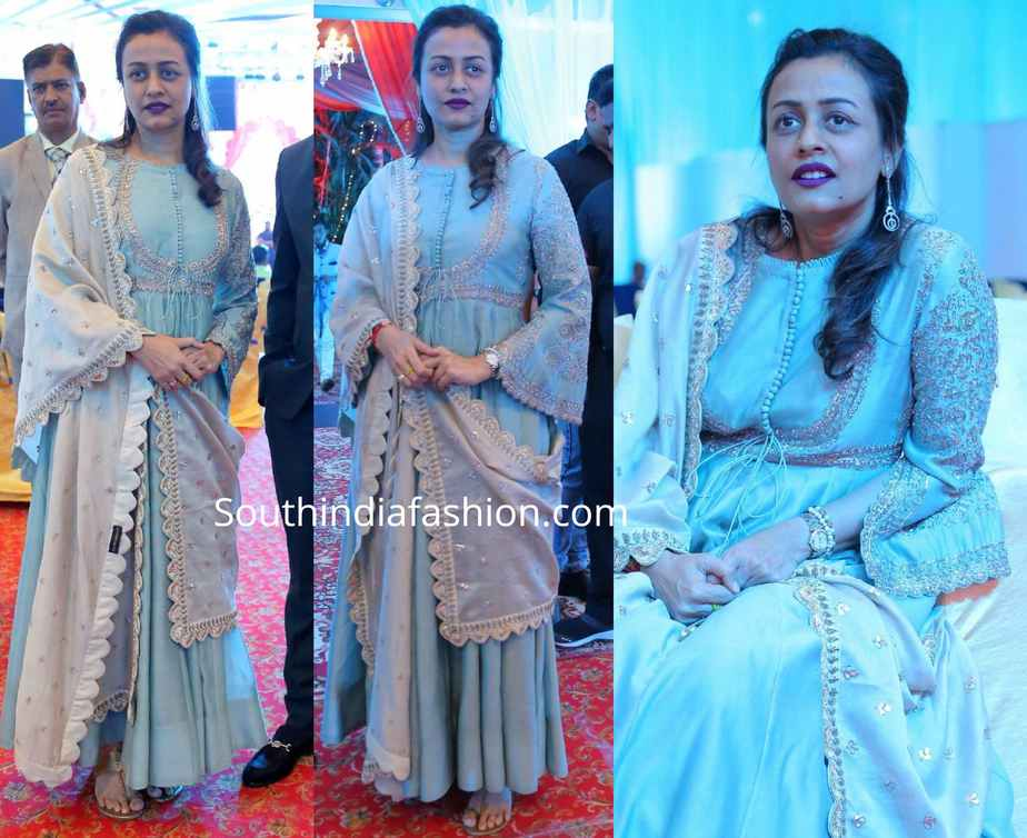 namrata shirodkar in blue anarkali by jayanti reddy at syed javed ali wedding reception