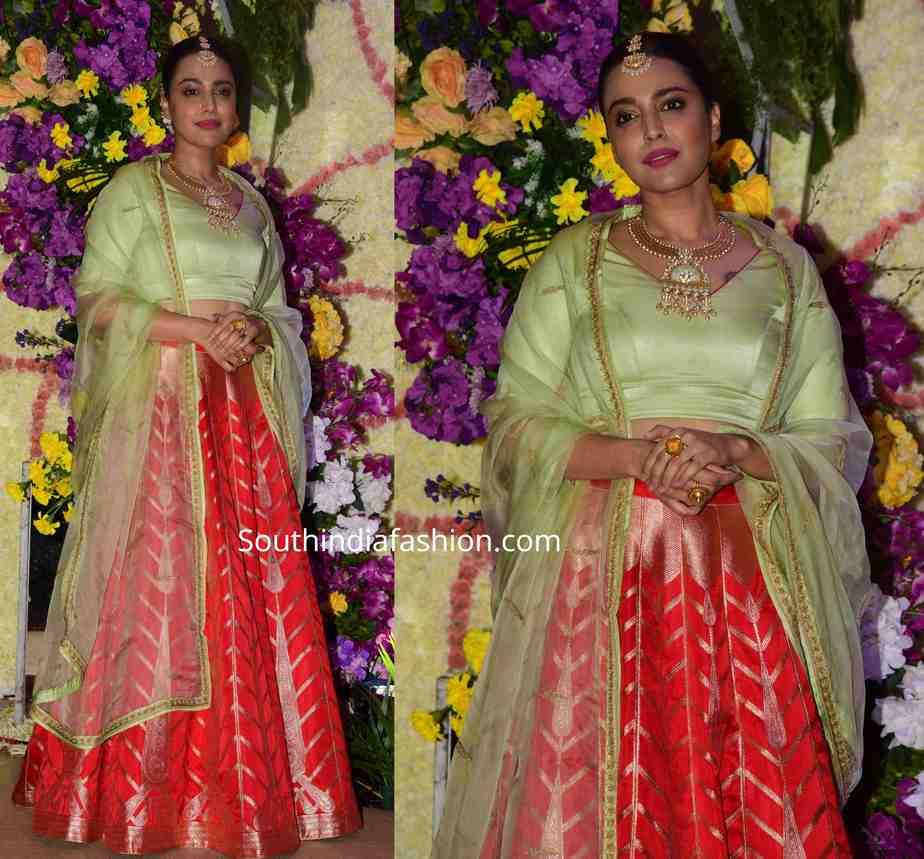 swara bhaskar lehenga at wedding reception (2)