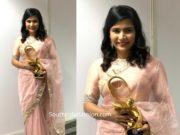chinmayi in geethika kanumilli saree at zee cine awards