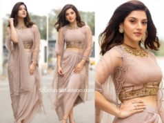 mehreen pirzadaa in nude indo western dress at enthamanchivadavura movie promotions
