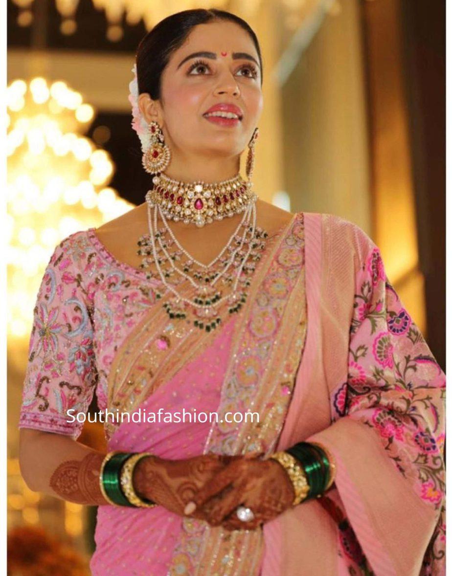 neha pendse pink marathi saree at her wedding (1)