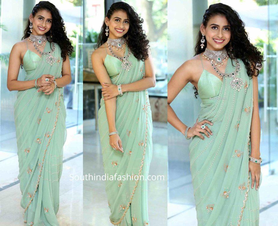 nitya naresh in blue saree (2)