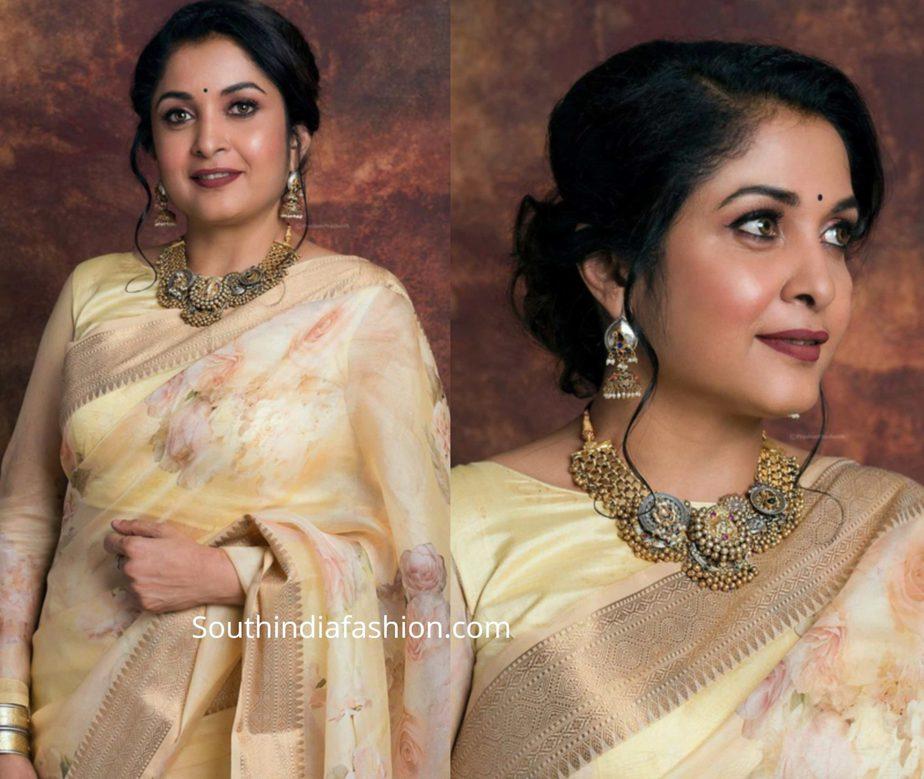 ramya krishnan in floral organza saree at anand vikatan awards (1)