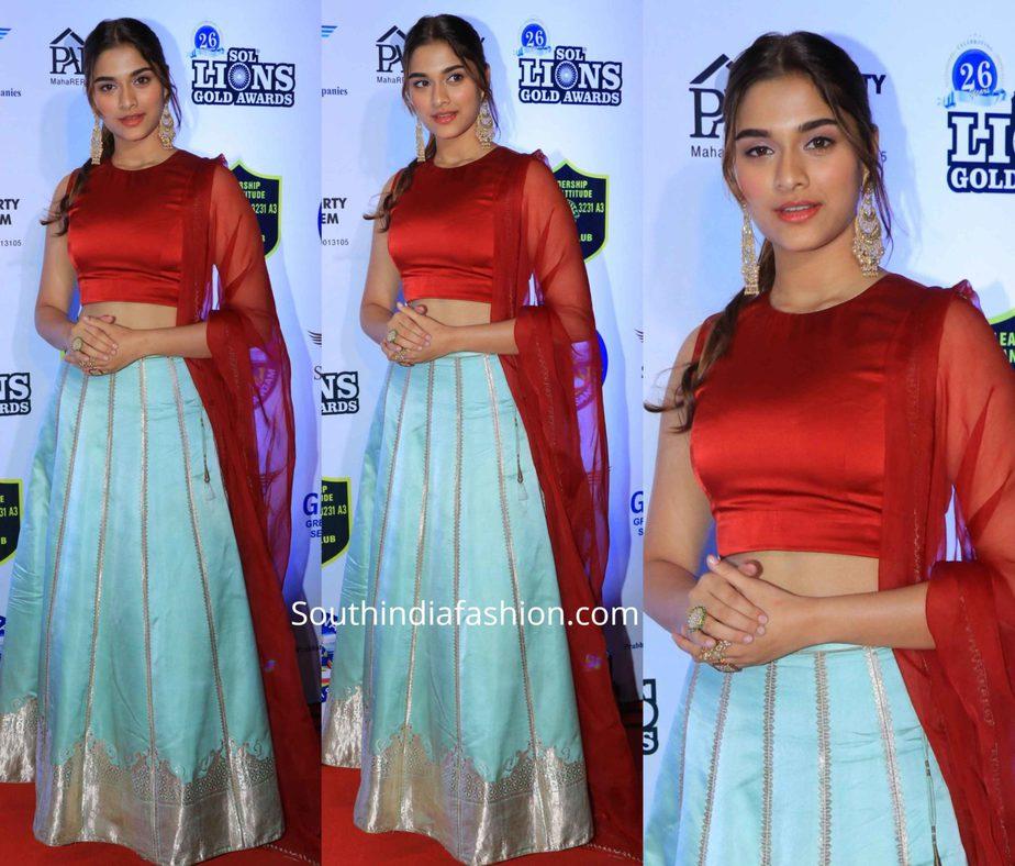 saiee manjrekar in blue lehenga at lions gold awards 2020