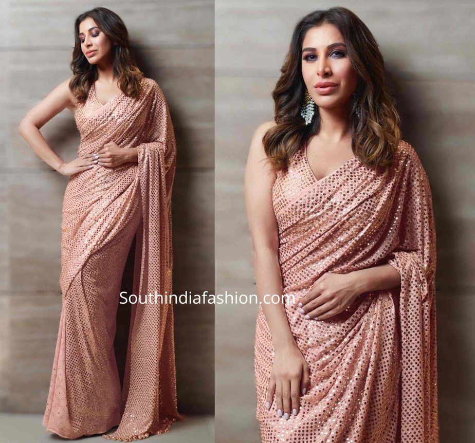 sophie choudry in badla work sequin saree at umang 2020 (1)