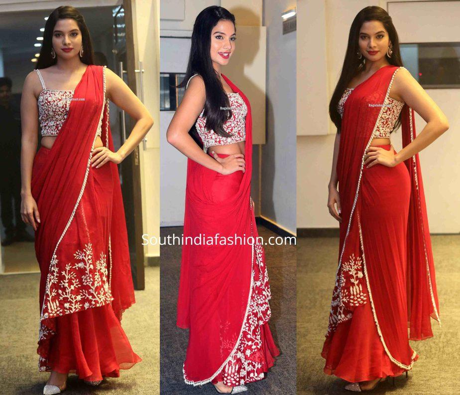 tanya hope in red saree at disco raja pre release event (2)