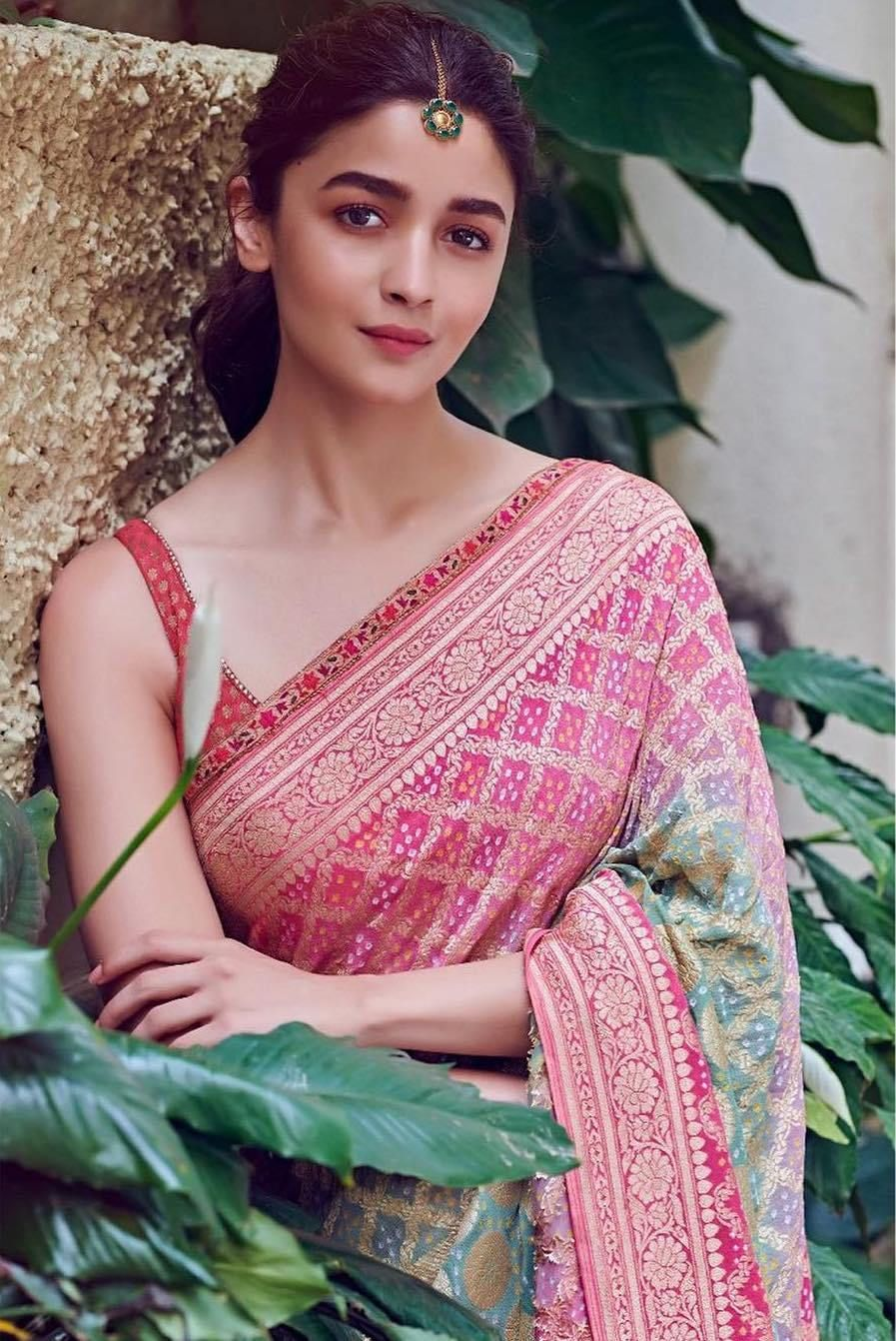 Alia bhatt in a U neckline.