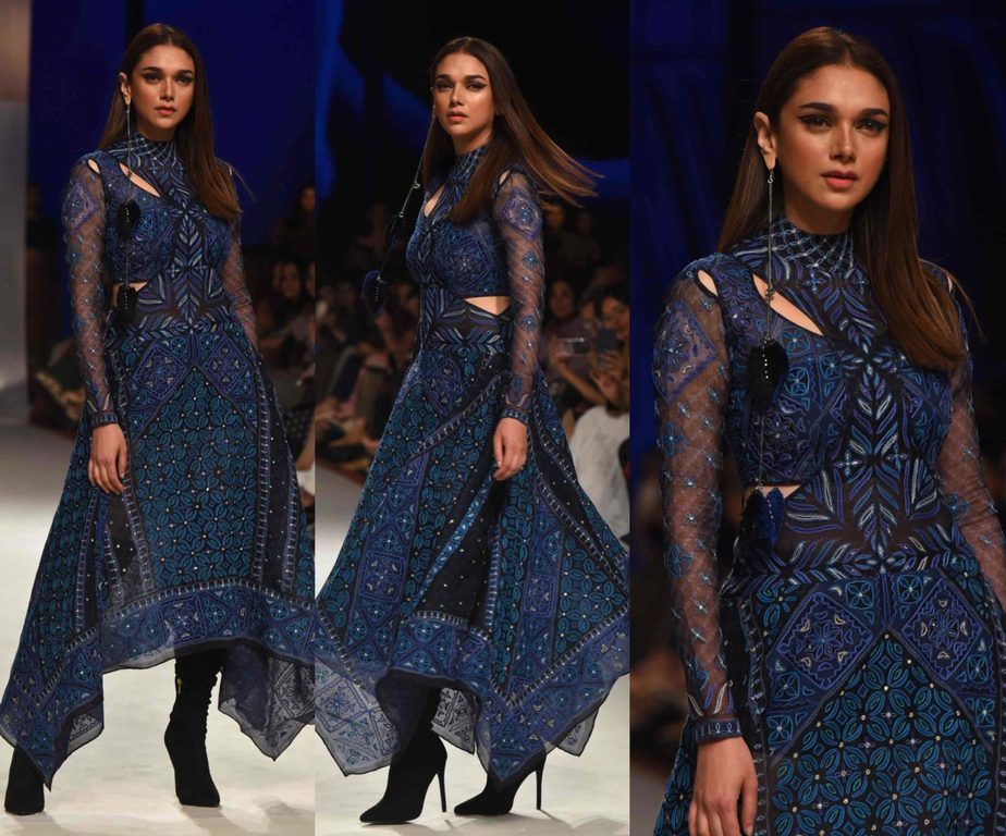 aditi rao hydari in ritu kumar blue dress at lakme fashion week 2020