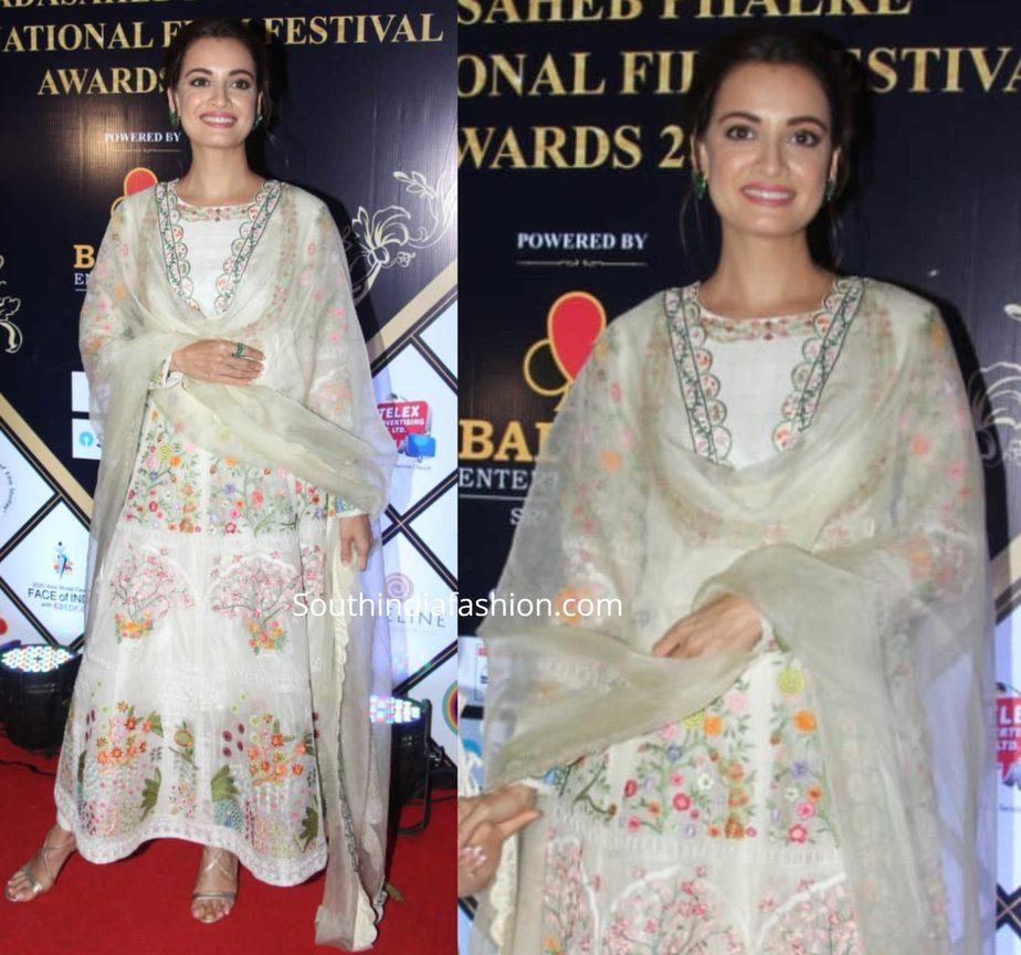 dia mirza in white anarkali suit at dada saheb phalke awards 2020 (2)