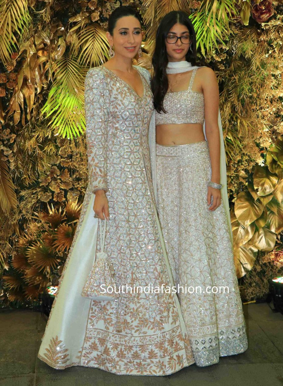 karisma kapoor and her daughter samiera in manish malhotra lehengas at armaan jain wedding reception