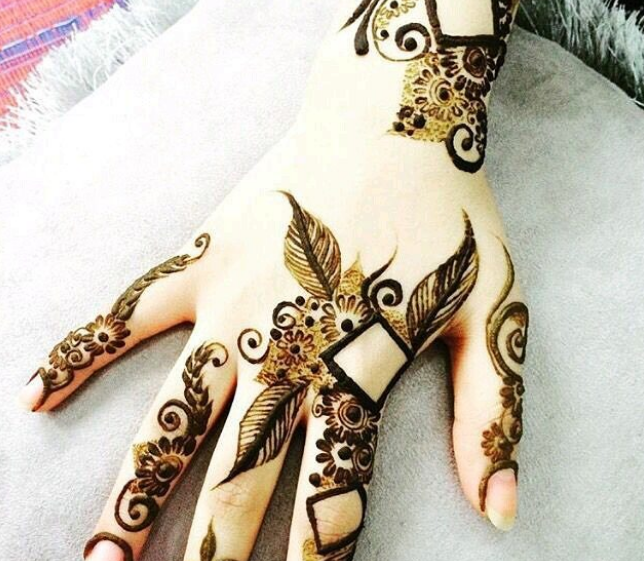 easy square mehndi design