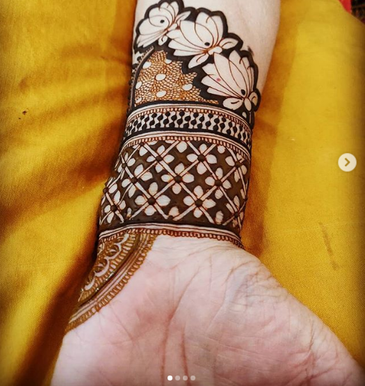 lotus mehndi design latest