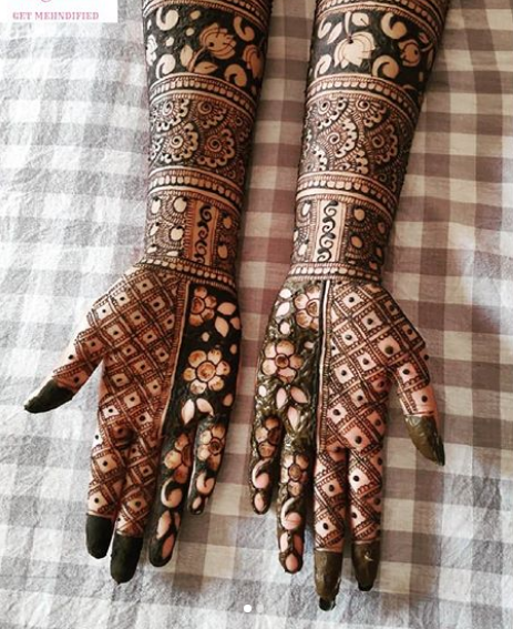 mehndi designs for front hands