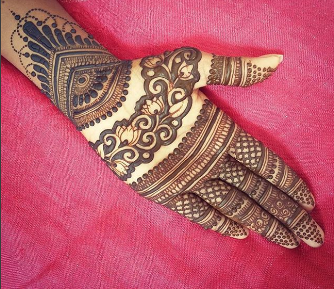 front hands beautiful mehndi design