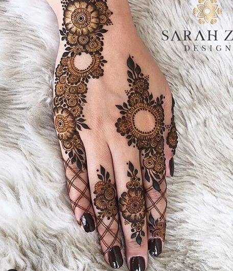 floral beautiful mehndi