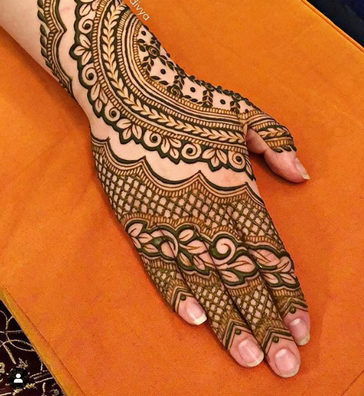 one side henna design for back hands
