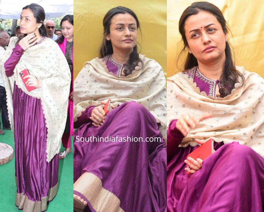 namrata shirodkar in purple anarkali at vijaya nirmala statue launch