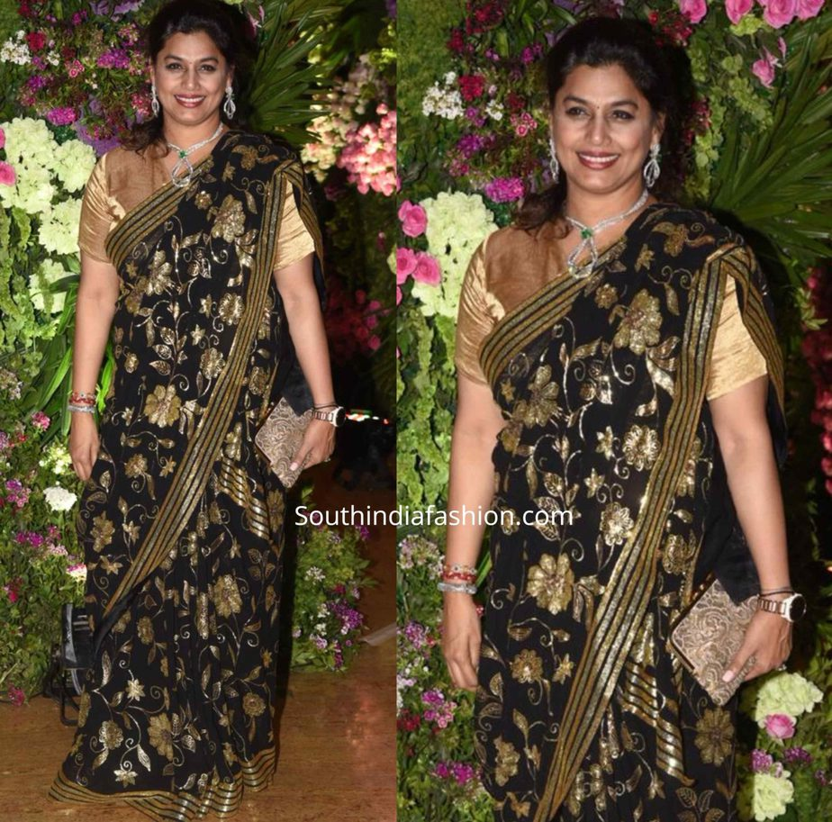 pinky reddy in black and gold saree at armaan jain wedding reception