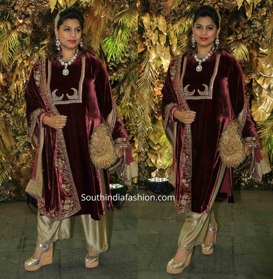 pinky reddy in velvet kurta set at armaan jain wedding (2)