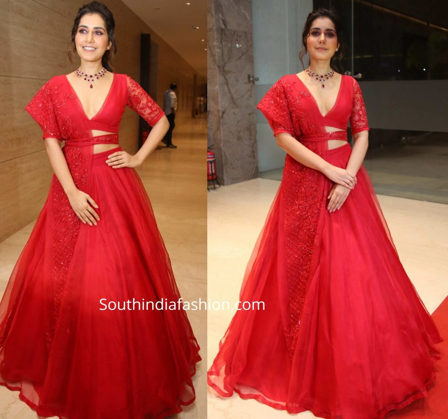 raashi khanna in red lehenga at world famous lover pre release function (2)