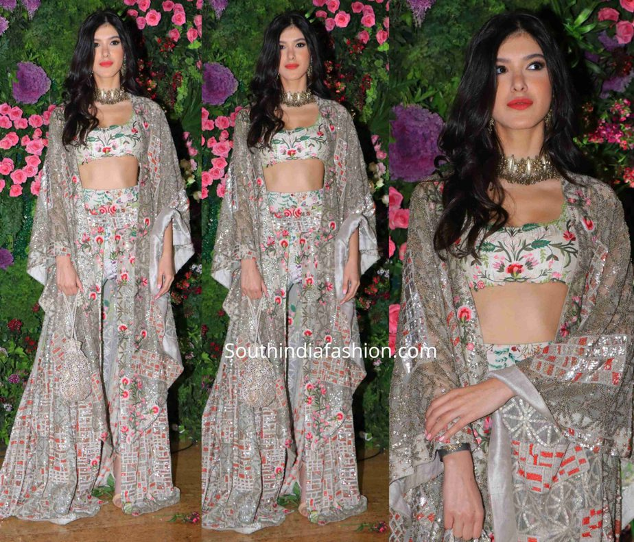 shanaya kapoor in anamika khanna dress at armaan jain wedding reception