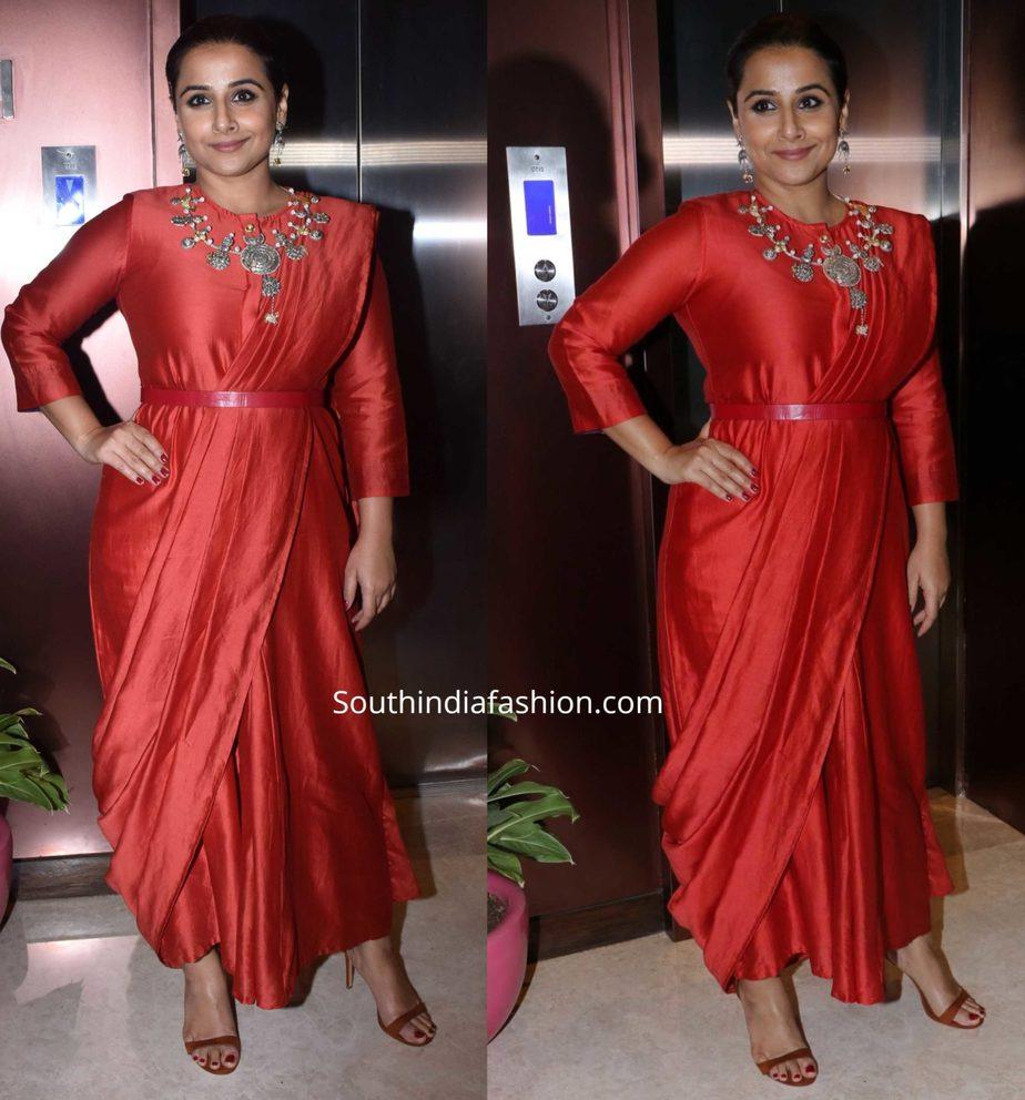 vidya balan in red saree dress at filmfare arwads press meet (1)