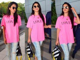 kiara advani airport look jeans with pink t shirt