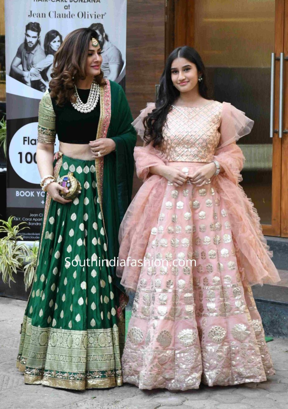 raveena tandon and her daughter in ethnic wear at a wedding (2)