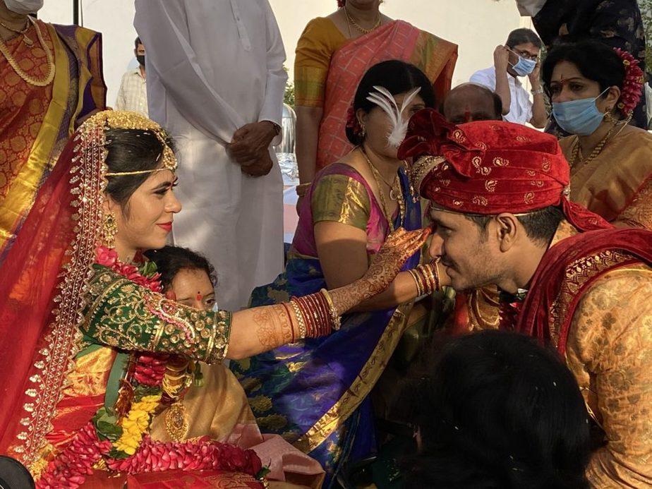 hero nikhil and pallavi varma wedding marriage photos (1)