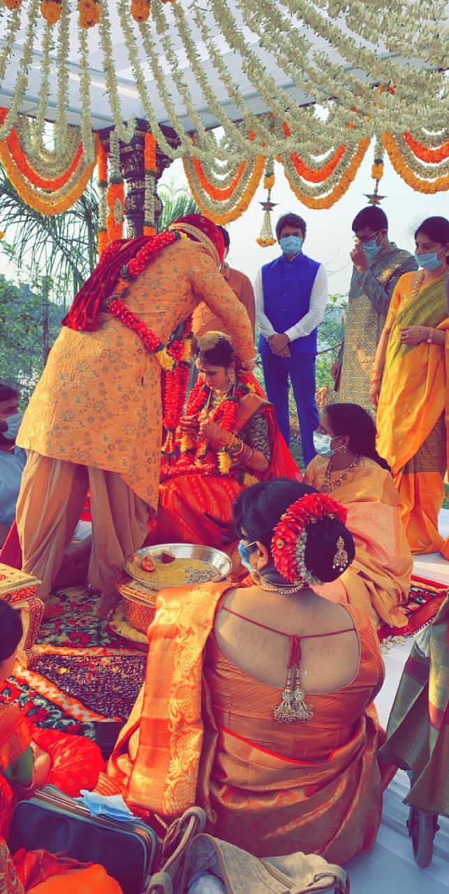 hero nikhil and pallavi varma wedding marriage photos (10)
